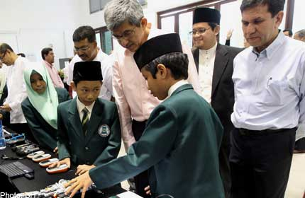 Muis to set aside $30m to help needy