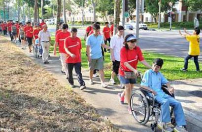 70,000 walkers pound the streets for a cause