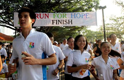 11,000 runners help to raise over $465,000 in support of cancer research