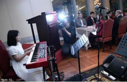 Charity dinner at Lawry's raises $30,000 for the visually-handicapped